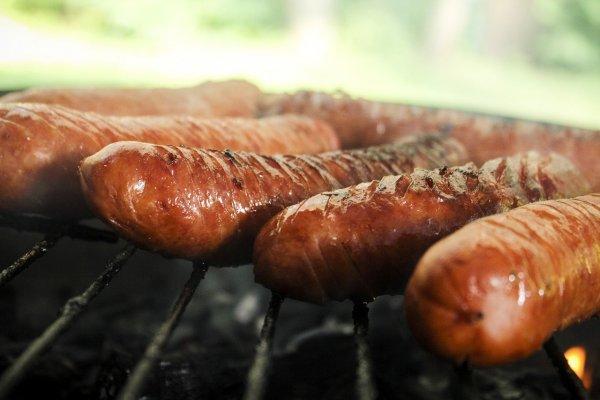 sausage-398599_1280